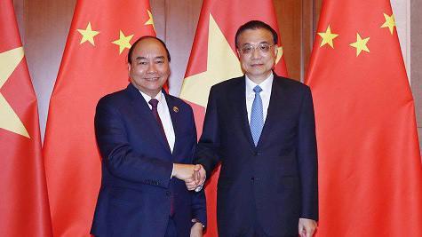 Thủ tướng Nguyễn Xuân Phúc khẳng định Việt Nam coi trọng quan hệ Đối tác hợp tác chiến lược toàn diện với Trung Quốc và mong muốn thúc đẩy quan hệ hai nước phát triển ổn định, bền vững.