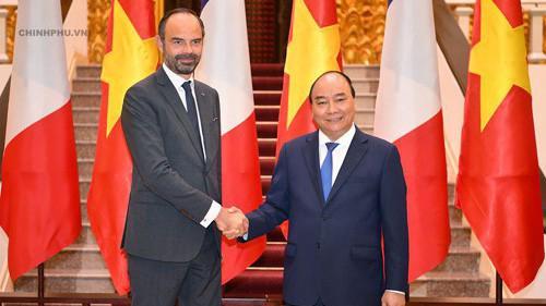 Đây là lần đầu tiên trong 1 năm có hai chuyến thăm cấp cao lẫn nhau của lãnh đạo hai nước. Trước đó, hồi tháng 3/2018, Tổng bí thư Nguyễn Phú Trọng cũng đã có chuyên thăm Pháp.