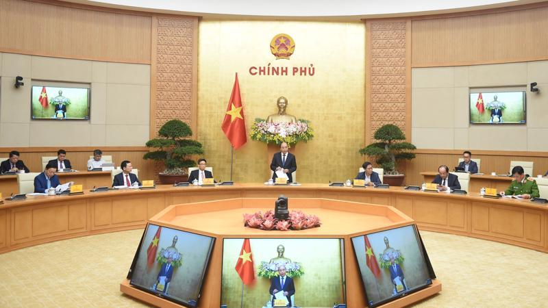 Thủ tướng Nguyễn Xuân Phúc tại phiên họp - Ảnh: VGP