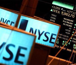 Trong tháng 7, chỉ số Dow Jones tăng 8,58%, chỉ số S&P 500 tiến thêm 7,41% và chỉ số Nasdaq lên 7,82% - Ảnh: Getty Images.