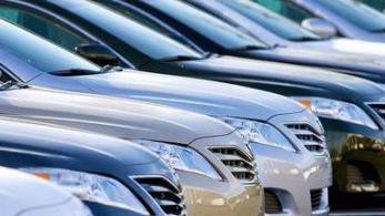 Hiện ba nhóm đối tượng được tạm nhập khẩu miễn thuế xe ôtô miễn trừ, ưu đãi khi nhập khẩu xe ôtô vào Việt Nam.
