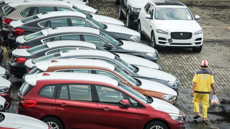 Xét về số lượng, riêng ô tô có xuất xứ từ Thái Lan chiếm đến 50%, Indonesia chiếm 36%, Trung Quốc chiếm 7% và toàn bộ 9 thị trường còn lại chỉ nắm vẻn vẹn 7%.