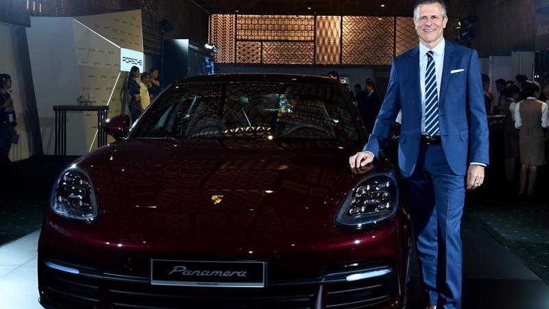 theo ông Andreas Klingler, Porsche đang phát triển rất mạnh mẽ trên toàn thế giới và đương nhiên thị trường Việt Nam cũng không phải là ngoại lệ.