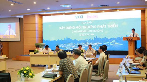 Ông Vũ Tiến Lộc, Chủ tịch VCCI phát biểu tại Hội thảo.