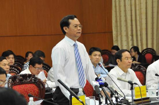 Tổng thanh tra Chính phủ Huỳnh Phong Tranh lần đầu tiên trả lời chất vấn - Ảnh: M.Đ