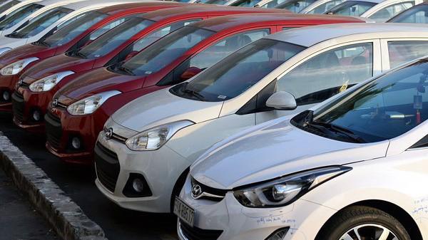 Bộ Công Thương cho rằng nếu thuế nhập khẩu về 0% nhưng các thuế phí khác tăng thì cũng khó để giảm giá xe.