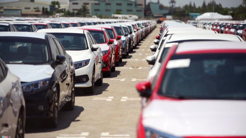 Cảng Hải Phòng vừa đón một lô xe ước tính trên dưới 1.000 chiếc bao gồm nhiều loại xe mang các thương hiệu Honda, Chevrolet, Ford và Nissan.