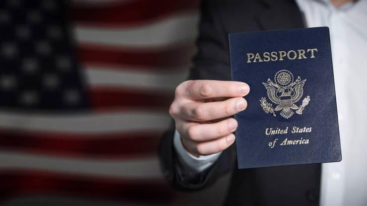 Bầu cử tổng thống Mỹ là một trong những nhân tố thúc đẩy làn sóng tìm mua hộ chiếu thứ hai của giới giàu Mỹ - Ảnh: Getty Images