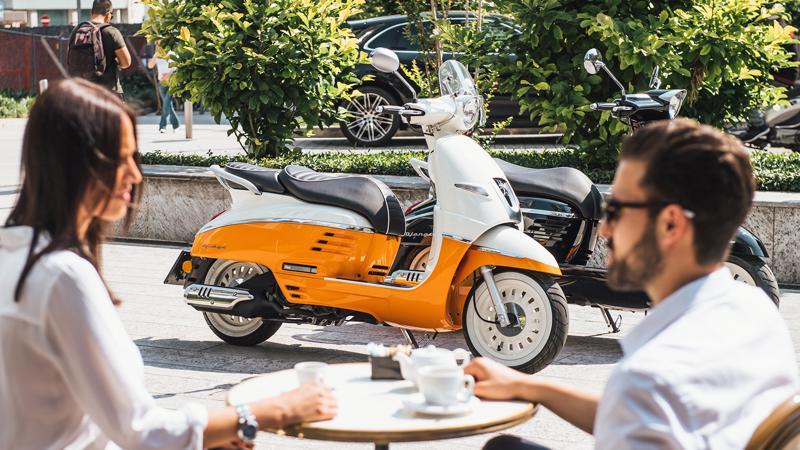 Mẫu xe tay ga Pháp trang bị động cơ Easy-Motion Euro 4 phun xăng điện tử EFI dung tích 125cc, công suất cực đại 10 mã lực và mô-men xoắn cực đại 8,9 Nm.