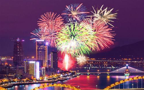 Theo dự báo của Sở Du lịch Đà Nẵng, lễ hội pháo hoa quốc tế được kỳ vọng  sẽ kéo khoảng 2 triệu khách đến Đà Nẵng với doanh thu dự kiến lên tới  hàng tỷ USD.