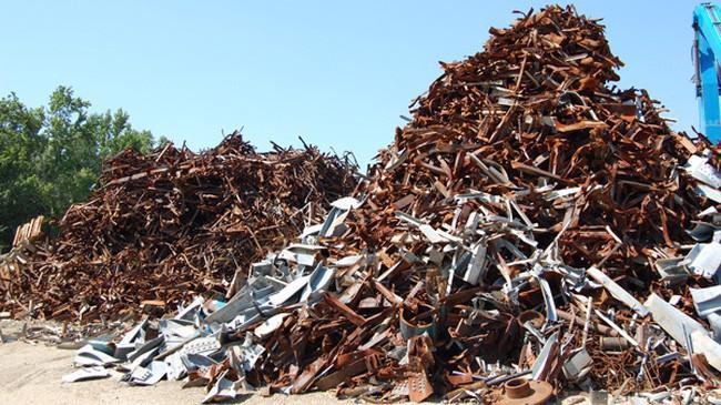 Tính đến hết ngày 15/6, Việt Nam nhập hơn 2,28 triệu tấn sắt thép phế liệu, với kim ngạch hơn 816 triệu USD.