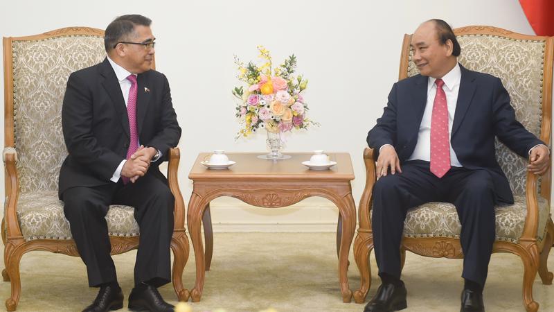Thủ tướng Nguyễn Xuân Phúc tiếp Đại sứ Philippines Meynardo Los Banos Montealegre - Ảnh: VGP