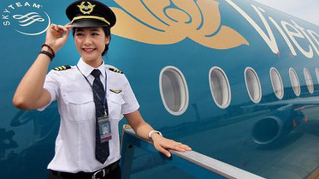 Từ 1/6, Vietnam Airlines chính thức tăng lương cho giáo viên và phi công.
