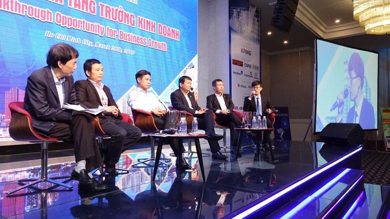 Phiên thảo luận về nhận diện cơ hội đầu tư và kinh doanh tại Hội thảo Kinh tế Việt Nam 2018 - Ảnh: Việt Tuấn