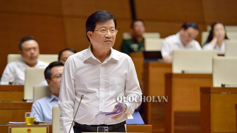 """Phó thủ tướng Trịnh Đình Dũng """"chia lửa"""" với Bộ trưởng Nguyễn Văn Thể."""