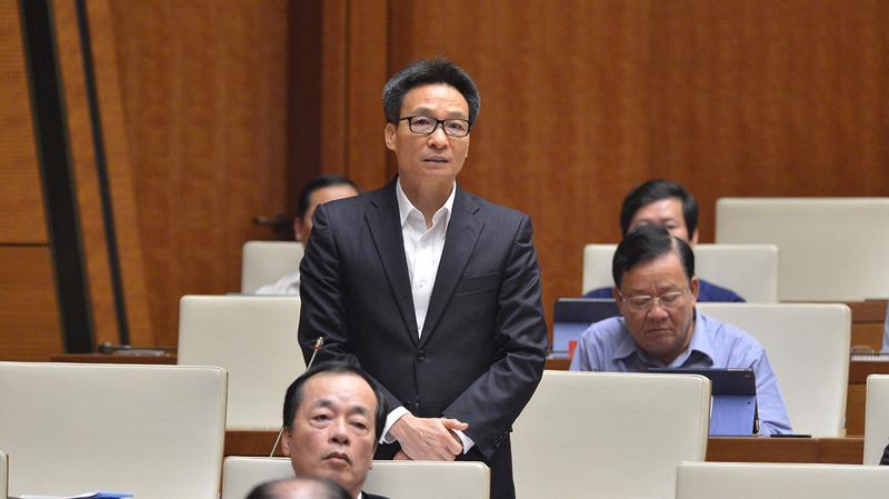 Phó Thủ tướng Vũ Đức Đam trả lời câu hỏi của đại biểu - Ảnh: Quochoi.vn