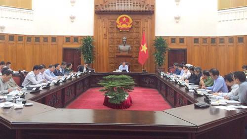 Phó thủ tướng Thường trực Chính phủ Trương Hòa Bình chủ trì cuộc họp với lãnh đạo một số bộ, ngành, địa phương về vụ việc 39 người tử vong tại Anh - Ảnh: VGP