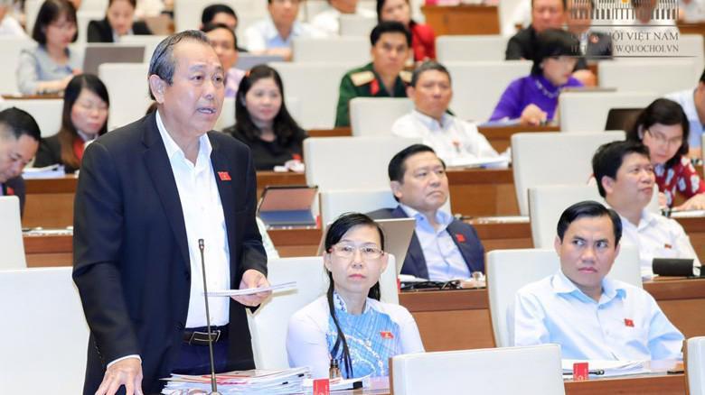 Phó thủ tướng Trương Hoà Bình đề nghị các vị đại biểu dừng tranh luận về vụ nghi phân bón giả của công ty Thuận Phong