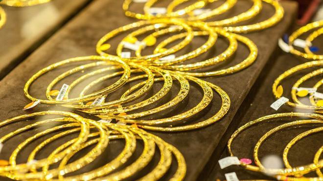 Với 70% dân số thuộc nhóm 15-64 tuổi, là độ tuổi lao động và tiêu dùng, thị trường vàng trang sức, bán lẻ Việt Nam dự kiến vẫn còn nhiều tiềm năng phát triển trong tương lai.