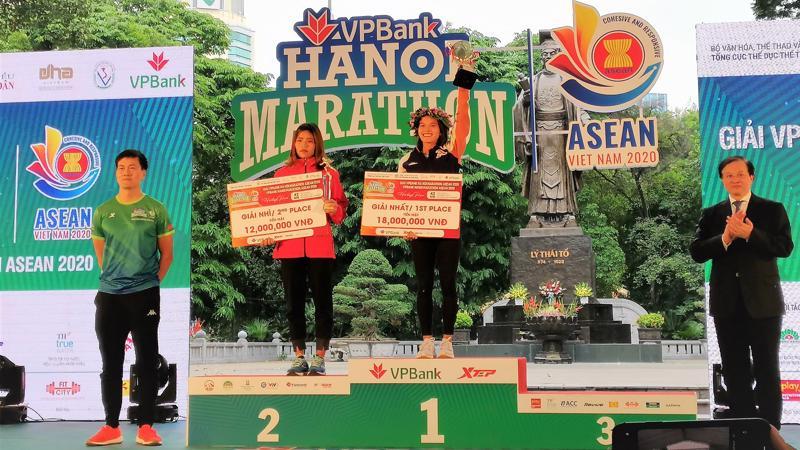 Các vận động viên nữ thành tích cao tại cự ly 42km.