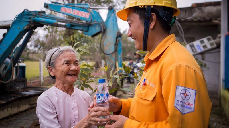 Tập đoàn Điện lực Việt Nam rất mong tiếp tục nhận được sự ủng hộ và ý kiến góp ý của khách hàng sử dụng điện, các cơ quan tổ chức xã hội, các cơ quan truyền thông về mọi hoạt động sản xuất kinh doanh.