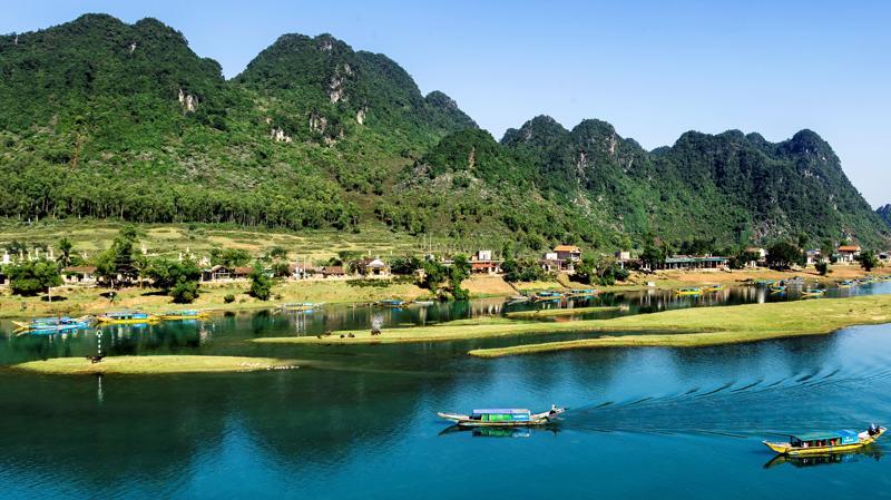 Quảng Bình sở hữu danh thắng được UNESCO hai lần công nhận và là điểm đến trong mơ của hàng triệu du khách quốc tế (Ảnh: Baovanhoa).