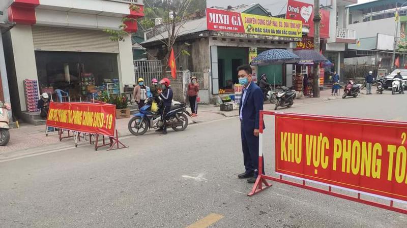 Cơ quan chức năng phong tỏa nhiều khu vực liên quan ca bệnh ở Quảng Ninh. Ảnh - Bộ Y tế.