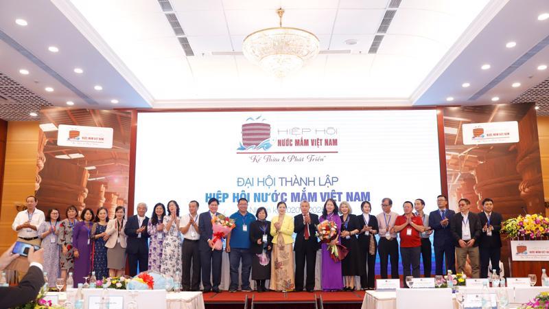 Ra mắt Ban chấp hành Hiệp hội Nước mắm Việt Nam nhiệm kỳ 2020 - 2025.