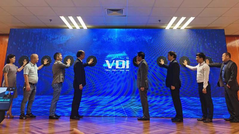 Lễ ra mắt Câu lạc bộ Đầu tư Khởi nghiệp Công nghiệp số Việt Nam (VDI) sáng 26/11.