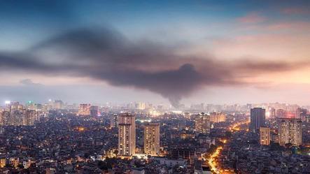Vụ cháy Rạng Đông nhìn từ trên cao. Ảnh FB