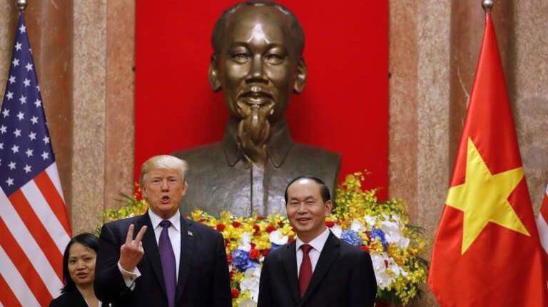 Tổng thống Donald Trump đánh giá cao Việt Nam tiếp tục hợp tác đầy đủ với Hoa Kỳ trong tìm kiếm quân nhân Hoa Kỳ mất tích trong chiến tranh và cam kết sẽ hợp tác với Việt Nam trong nỗ lực tìm kiếm tin tức của bộ đội Việt Nam bị mất tích trong chiến tranh - Ảnh: Reuters.