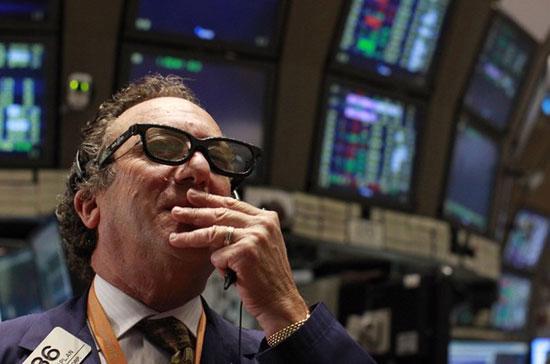 Chốt phiên giao dịch ngày 4/2, chỉ số công nghiệp Dow Jones giảm mạnh  tới 129,71 điểm, tương ứng 0,93%, xuống còn 13.880,08 điểm<i> - Ảnh: Reuters</i>.