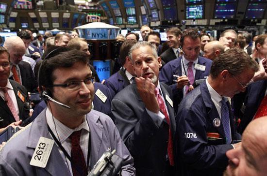 Giới đầu tư phấn khích trước tuyên bố chắc nịch của Chủ tịch Ngân hàng Trung ương châu Âu - Ảnh: Reuters.