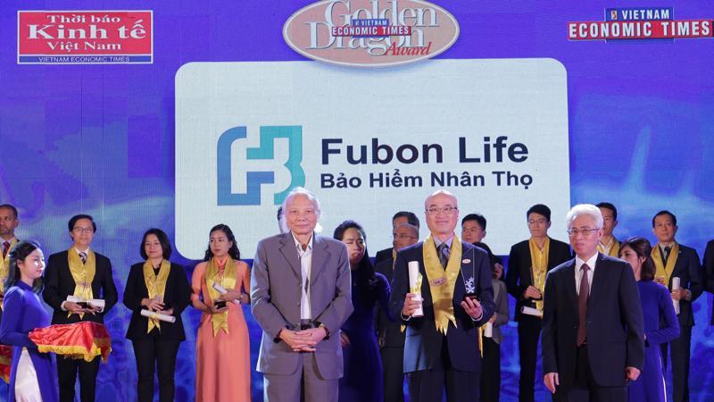 Liên tiếp 6 năm được vinh dự nhận danh hiệu Rồng Vàng chính là minh chứng cho niềm tin và ủng hộ của cộng đồng đối với chiến lược phát triển bền vững của Fubon Life Việt Nam.