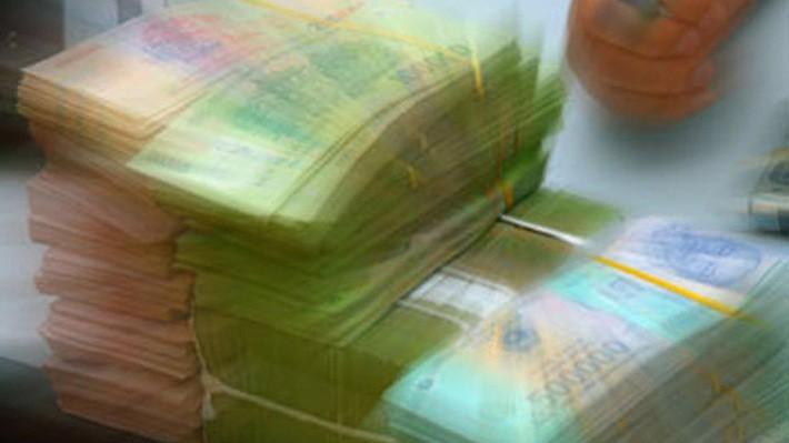 Các tổ chức tài chính được phép thực hiện dịch vụ thanh toán trong nước và quốc tế phải báo cáo từng giao dịch chuyển tiền điện tử trong nước có mức giá trị từ 500 triệu đồng trở lên hoặc ngoại tệ có giá trị tương đương và giao dịch chuyển tiền điện tử quốc tế ra vào Việt Nam có giá trị từ 1 triệu USD trở lên hoặc bằng ngoại tệ khác có giá trị tương đương.