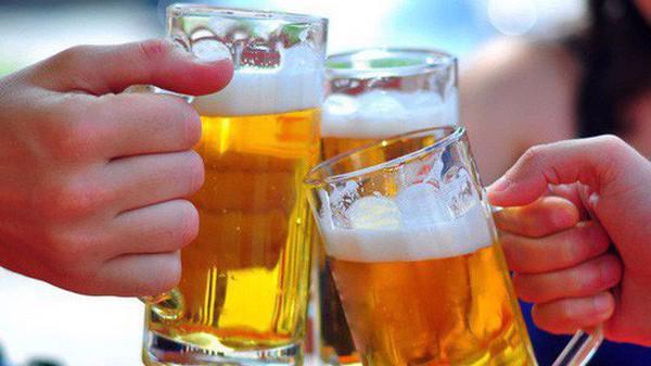 Tỷ lệ người Việt Nam uống rượu bia có xu hướng tăng cao. Ảnh minh họa.