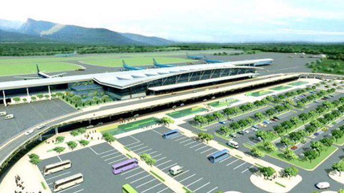 Dự kiến Cảng hàng không Sa Pa được xây dựng trên diện tích 371 ha là sân bay dân dụng cấp 4C và sân bay quân sự cấp II với 1 đường cất hạ cánh, hệ thống đường giao thông kết nối với tuyến cao tốc Nội Bài - Lào Cai quy mô 2 làn xe.