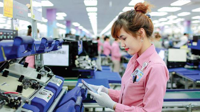 Hình ảnh công nhân trong nhà máy Samsung Thái Nguyên