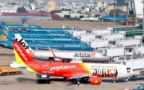Trong 6 tháng đầu năm sản lượng hành khách qua sân bay Tân Sơn Nhất đạt trên 15,7 triệu; tăng trưởng 23,1%.<br>