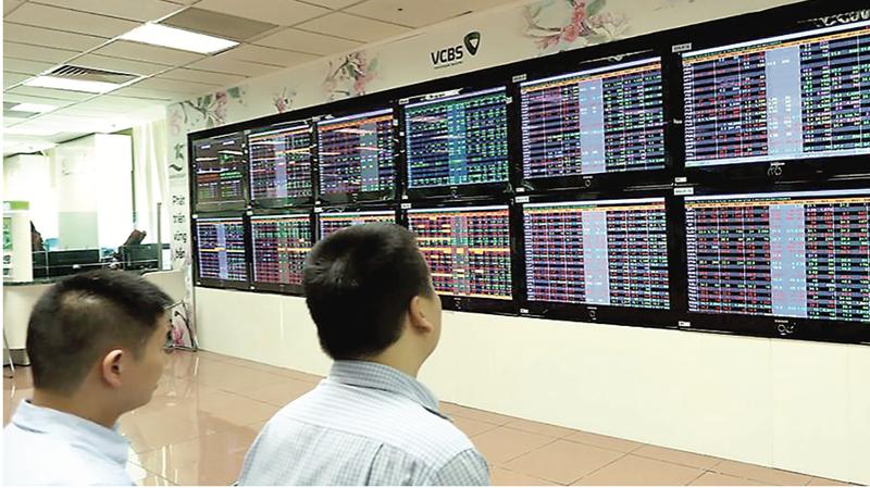 """""""Không một ai, một người dân nào ở Việt Nam tin được là thị trường chứng khoán Việt Nam có thể đạt mức 1.100 điểm, tăng 15% vào cuối năm 2020"""""""