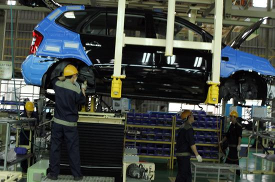 Giải pháp nào để thành công không quay lưng với doanh nghiệp ôtô trong nước? - Ảnh: Bobi.