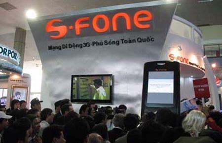 """Những khó khăn vốn không ít và vẫn hiện hữu đầy khắc nghiệt với S-Fone trong việc duy trì và trụ được trên thị trường viễn thông di động, như đang đưa S-Fone đến """"bước đường cùng""""."""