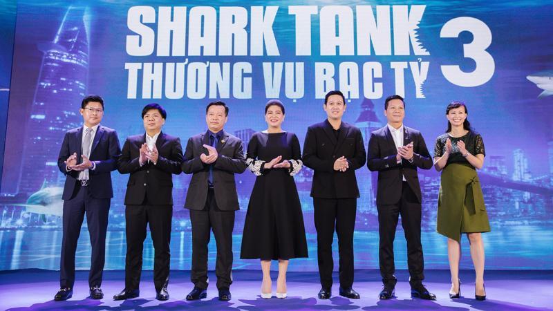 """Dàn """"cá mập"""" mùa 3 của Shark Tank"""