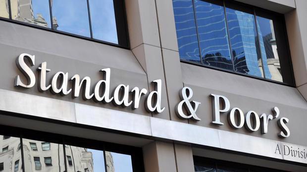 """Hồi tháng 9, tổ chức xếp hạng tín nhiệm uy tín S& P cũng đánh giá Vietcombank và Techcombank có kết quả xếp hạng bằng với mức xếp hạng quốc gia của Việt Nam, hay thường được gọi là """"trần xếp hạng tín nhiệm quốc gia"""""""