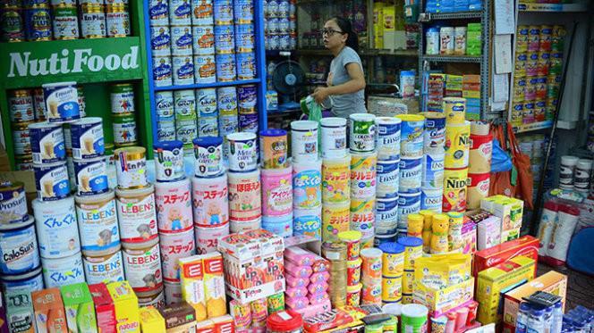 Hiện, sữa công thức cho trẻ em và sản phẩm dinh dưỡng y tế có mức thuế suất MFN là 10%, đang được các doanh nghiệp đề xuất giảm xuống 7%. Ảnh minh hoạ