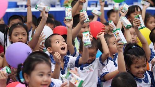 Sữa học đường được triển khai ở nhiều quốc gia trên thế giới như Mỹ, Nhật, Thái Lan, Trung Quốc...