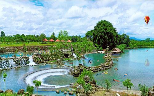 Suối Mơ hiện là một trong ba khu du lịch có lượng khách tham quan đông nhất tỉnh Đồng Nai.<br>