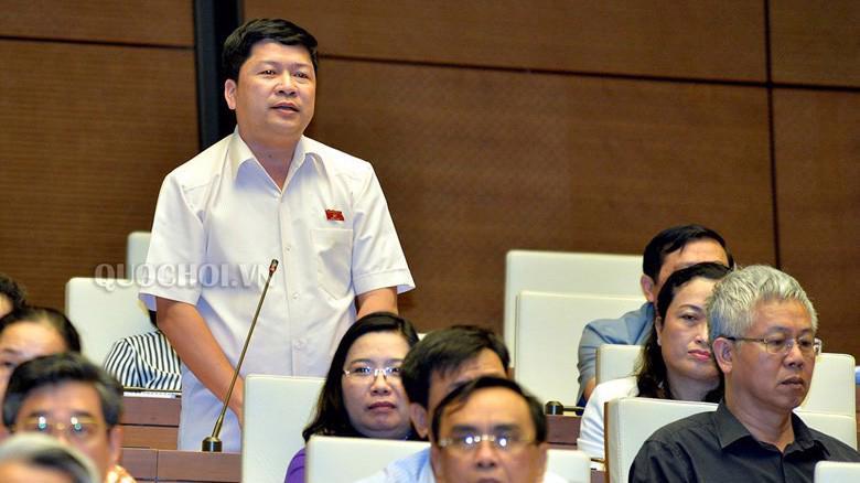Đại biểu Tạ Văn Hạ (Bạc Liêu) phát biểu tại hội trường.