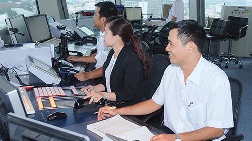 Kiểm soát viên không lưu tại sân bay Tân Sơn Nhất.