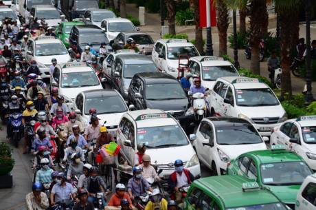 Hà Nội sẽ đồng bộ màu taxi từ năm 2025.